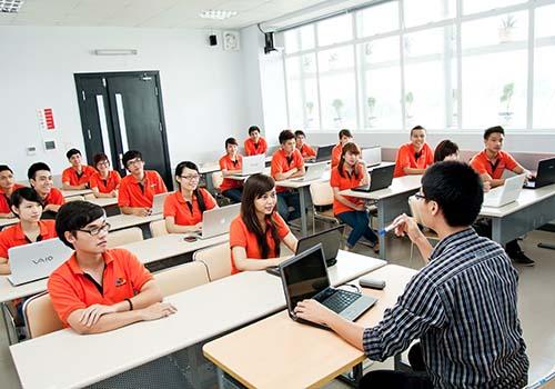 98% sinh viên ĐH FPT có việc làm sau khi tốt nghiệp với mức lương bình quân khoảng 8,3 triệu đồng/người/tháng