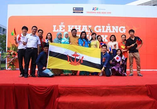 Môi trường quốc tế hóa giúp sinh viên ĐH FPT sẵn sàng kiến thức, kỹ năng để cạnh tranh toàn cầu