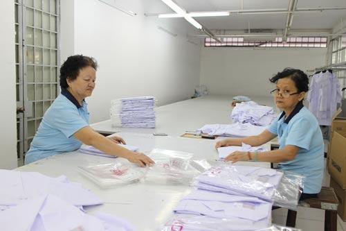 Lao động đã nghỉ hưu được Công ty CP Legamex ký tiếp hợp đồng, bố trí công việc phù hợp với sức khỏeẢnh: Hồng Đào