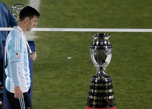 Messi phận bạc khi lỡ hẹn 2 kỳ Copa America liên tiếp