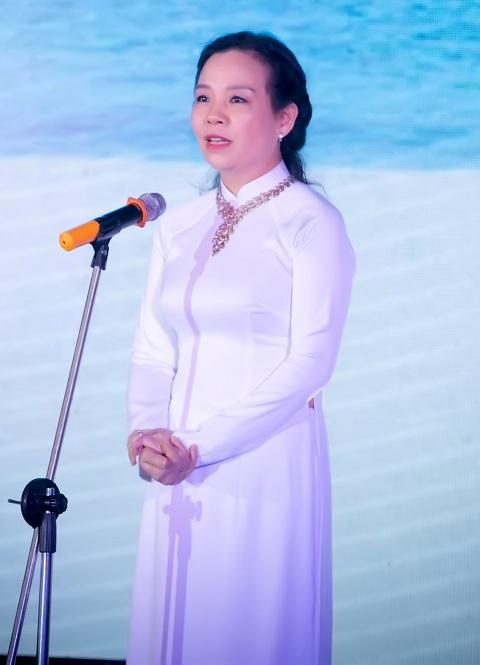 Bà Ngô Phương Lan mong muốn ê kíp sản xuất sẽ mang đến một bộ phim tử tế