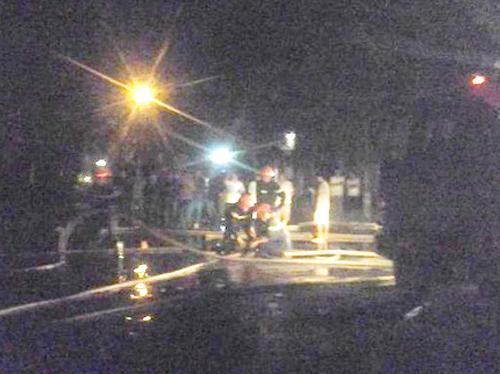Cảnh sát PCCC Thanh Hóa căng mình dập lửa