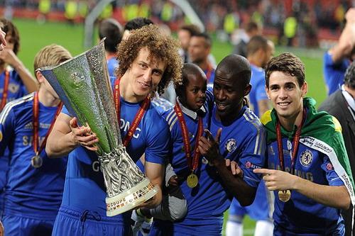 Cùng Chelsea vô địch Europa League mùa 2011-2012