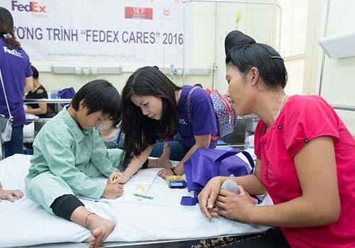 Trẻ em vùng xa được trị bệnh tim bẩm sinh