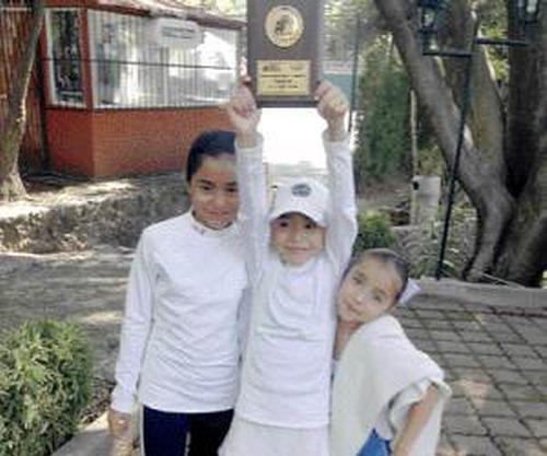 Fernanda có danh hiệu đầu tay ở tuổi lên 10