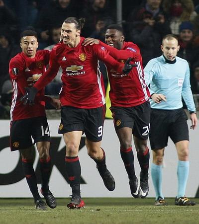 Ibrahimovic sau khi ghi bàn ấn định tỉ số 2-0 phút 88