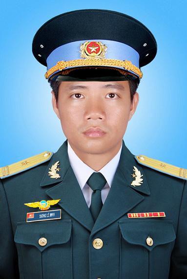 Thiếu tá Dương Lê Minh, ảnh: Cổng TTĐT bộ Quốc Phòng