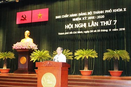 Ông Tất Thành Cang, Ủy viên Trung ương Đảng, Phó Bí thư Thường trực Thành uỷ TP HCM, phát biểu khai mạc. Ảnh: Bảo Nghi