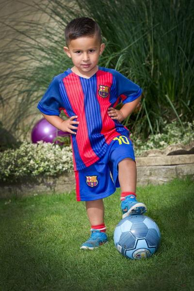 Jason Lal, 3 tuổi, được Học viện Man City mời gia nhập