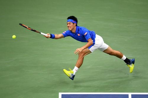 Kei Nishikori có trận đấu rất hay trước nhà vô địch Olympic
