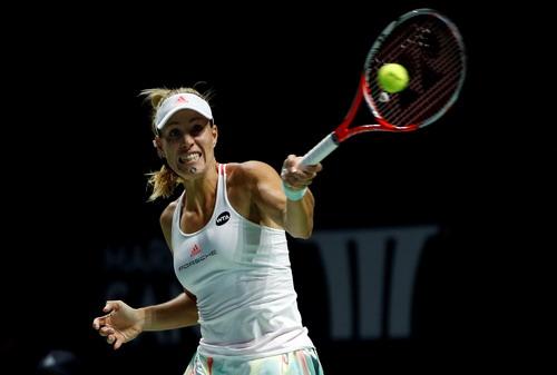 Kerber để thua trận đầu tiên tại giải trước Cibulkova và mất ngôi vô địch