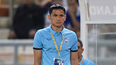 HLV Kiatisuk ra thiết quân luật cấm các cầu thủ Thái Lan hút thuốc, đánh bài, uống rượu hay trốn đi chơi