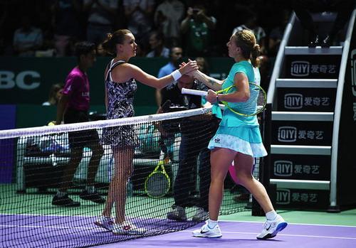 Kuznetsova đánh bại đương kim vô địch Radwanska
