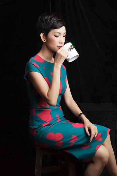 Siêu mẫu Xuân Lan bên ly cà phê Buôn Mê
