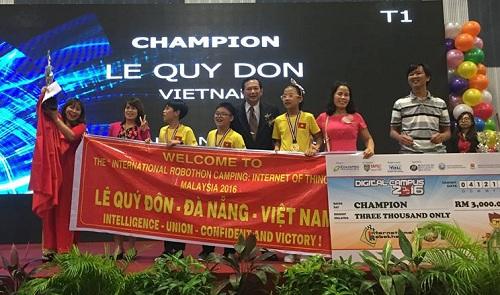 Đội tuyển trường THCS Trần Cao Vân giành chức vô địch