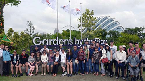Đoàn khách của VietJetours tại Singapore