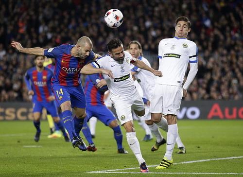 Javier Mascherano lăn xả cứu thua