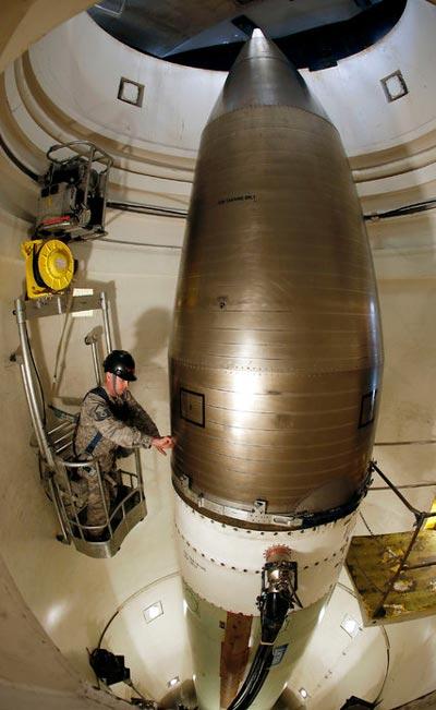 Tên lửa Minuteman 3 tại Căn cứ không quân Minot của Mỹ Ảnh: AP