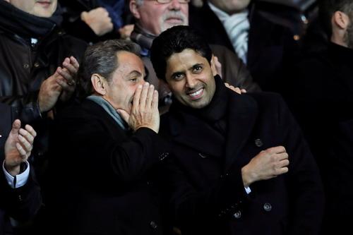 Chủ tịch Nasser Al-Khelaifi (phải) hai lần mời Wenger về nắm quyền ở PSG