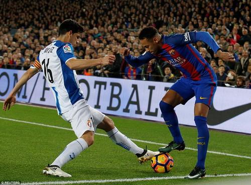 Neymar làm nền giúp hai đồng đội tỏa sáng