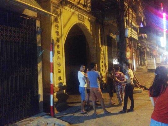 Nhiều người dân trong khu vực bàng hoàng trước vụ truy sát bất ngờ