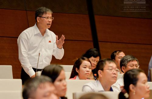 """ĐB Nguyễn Sỹ Cương: """"Cán bộ, công chức bây giờ có còn là công bộc của dân nữa không?"""" - Ảnh: Quochoi.vn"""