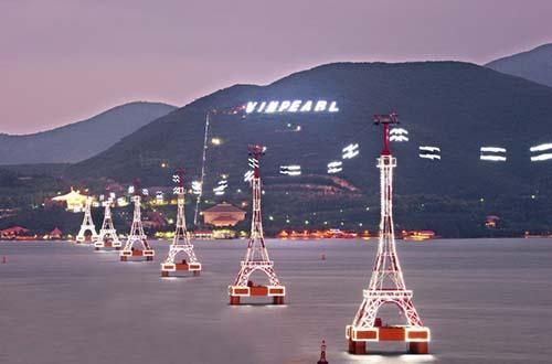Vinpearl Nha Trang tọa lạc trên đảo Hòn Tre thuộc vịnh biển đẹp nhất thế giới