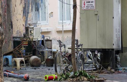 Hiện trưởng sau khi xảy ra vụ cháy nổ trạm biến áp khiến 5 người thương vong - Ảnh: TTO