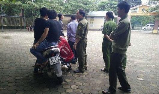 Lực lượng công an có mặt tại hiện trường để điều tra sự việc - Ảnh: Baophapluat.vn