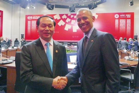 Chủ tịch nước Trần Đại Quang tiếp xúc với Tổng thống Barack Obama - Ảnh: Bộ Ngoại giao
