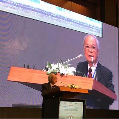 GS-TS Nguyễn Công Khanh, Chủ tịch Hội Nhi khoa Việt Nam, phát biểu tại hội nghị