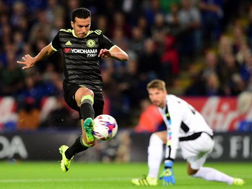 Pedro trong pha hãm thành Leicester đầu trận
