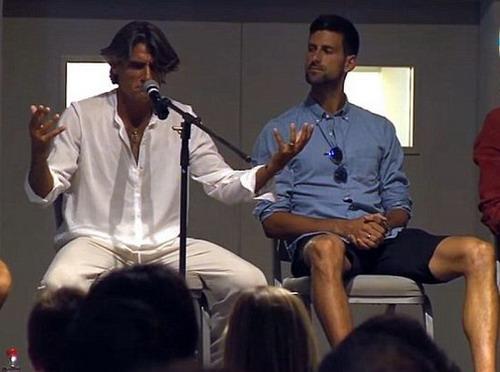 Djokovic nghe mọi chuyện từ chuyên gia tâm lý Pepe Imaz thay vì các HLV