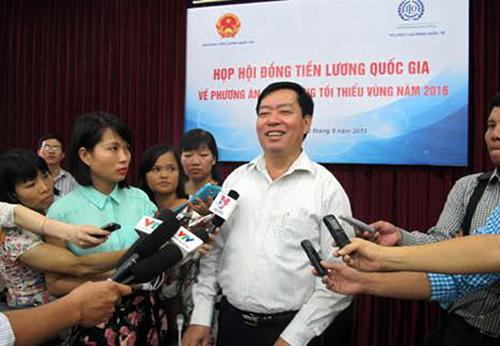 Thứ trưởng Bộ LĐ-TB-XH Phạm Minh Huân trong một lần trả lời báo chí về vấn đề tiền lương
