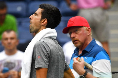 Djokovic cãi thầy Boris Becker, mất gần như mọi vinh quang đã có