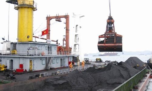 Việt Nam nhập than từ Trung Quốc với giá đắt