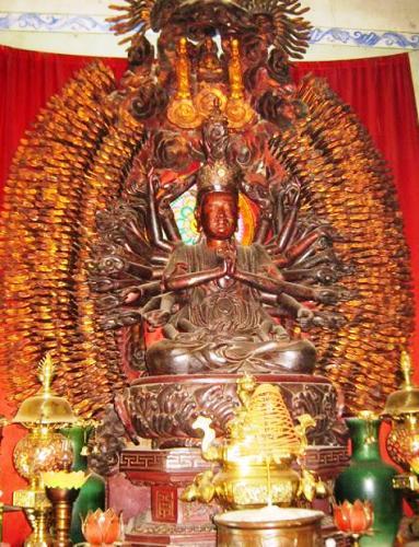Pho tượng cổ Phật bà quan thế âm nghìn tay nghìn mắt tại chùa Mễ Sở hiện đã bị đánh cắp. Ảnh: Tư liệu