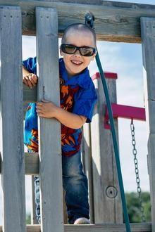 Tupper, 3 tuổi và bị chẩn đoán là mắc chứng tự kỷ