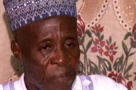 Cụ ông Bello đã có 97 vợ vẫn muốn cưới thêm. Ảnh: Independent.
