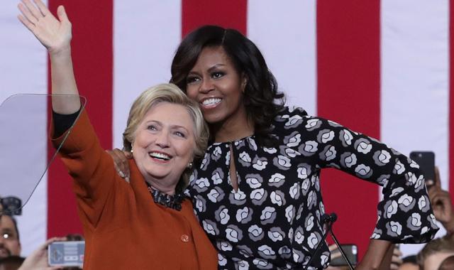 Bà Obama trong một lần vận động cho bà Clinton. Ảnh: iHeartRadio
