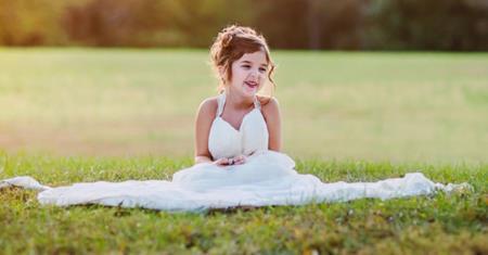 Ảnh cưới của cô bé 4 tuổi mang một ý nghĩa đặc biệt