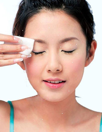 Bạn đã chăm sóc vùng da mắt đúng cách?