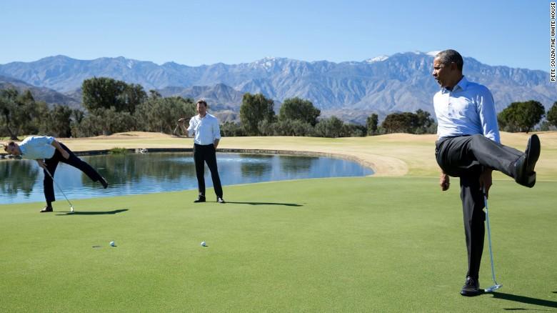 Phút hài hước trên sân golf cùng các nhân viên Nhà Trắng Joe Paulsen và Marvin Nicholson sau hội nghị thượng đỉnh Mỹ - ASEAN ở California