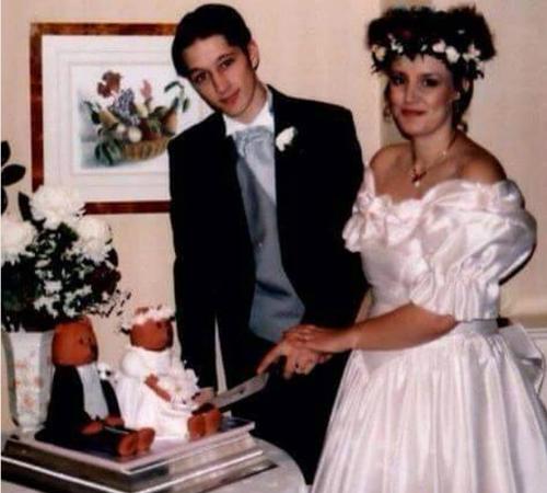 Chị Sue Hayes thon thả với cân nặng 66kg khi cưới. Ảnh:Daily Mirror.