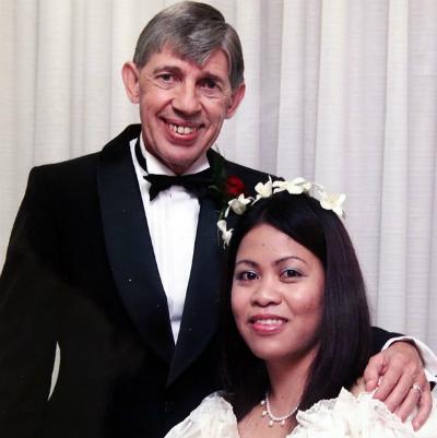 Ông Ron cưới người vợ thứ 8 vào năm 2004. Ảnh: Sunday Mirror.