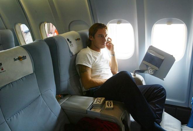 Một số hãng cung cấp dịch vụ di động trên máy bay. Ảnh: Thisisinsider.