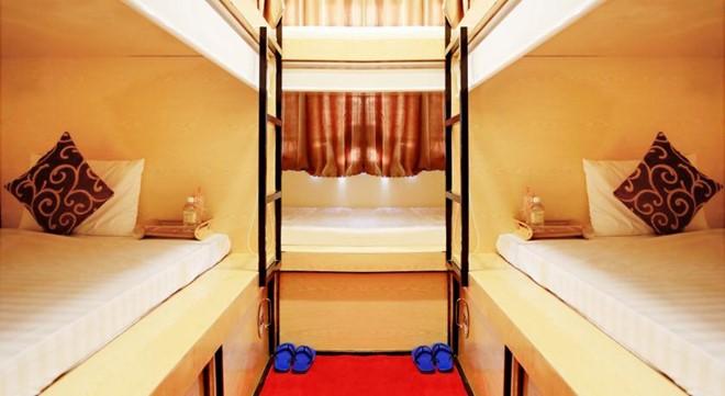 Hostel có 3 dạng phòng, phòng hộp tập thể từ 140.000 đồng/người và phòng VIP gia đình 2 người lớn 2 trẻ em với giá 600.000/đêm. Ảnh: Booking.