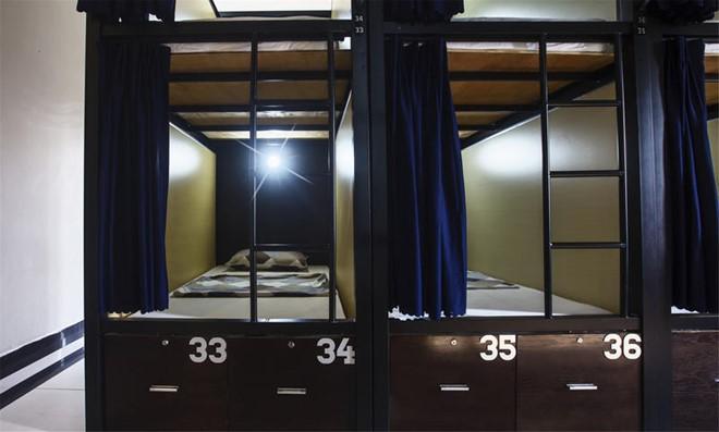 Cũng giống như mọi hostel khác, 1812 có các phòng ngủ tập thể giường tầng nhỏ gọn. Giá chỉ từ 150.000-250.000 đồng/người. Đặc biệt ở đây bữa sáng được phục vụ miễn phí. Ảnh: 1812 Boutique Hostel.