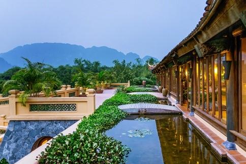 Emeralda Resort Ninh Bình tọa lạc tại xã Gia Vân, Gia Viễn, Ninh Bình.