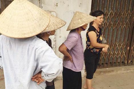 Mấy ngày qua những người dân thôn Thanh Chiểu vẫn bàn tán xôn xao về vụ án kinh hoàng.